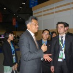 Asean the secretary-general, Surin Pitsuwan meets youth delegates at the Apec summit today in Singapore. (Photo: Simon Roughneen)