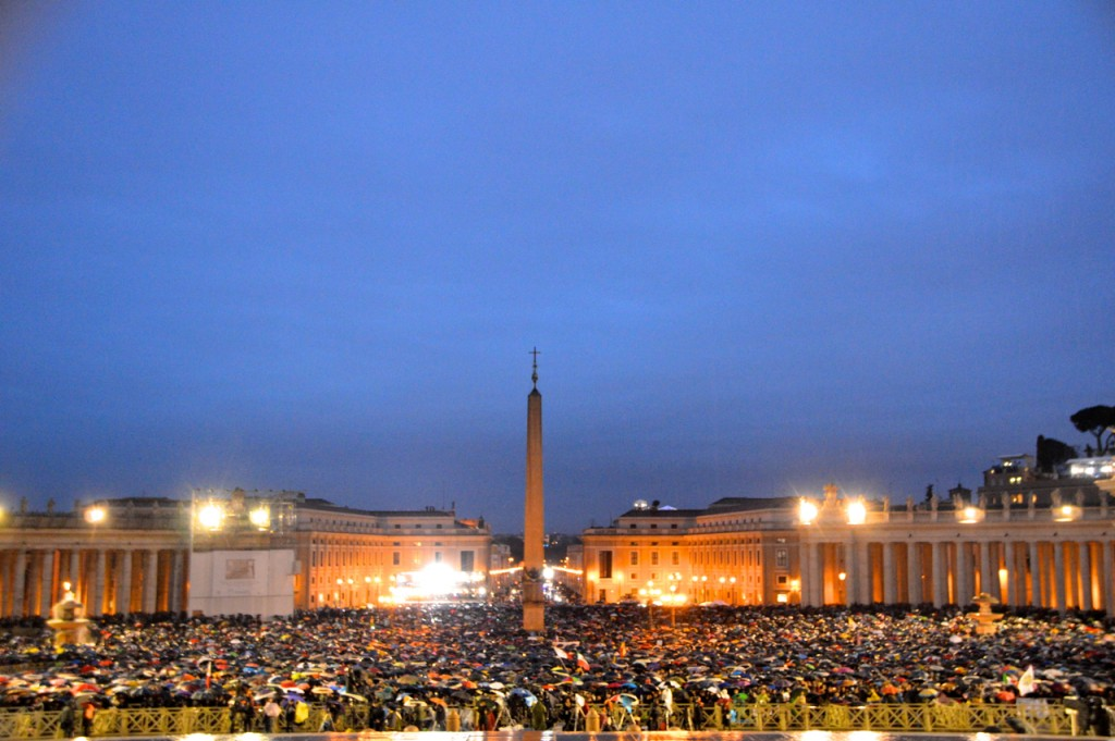 Crowd awaiting outcome of conclave at St Peter's Sq. on Wednesday evening (Photo: Simon Roughneen)