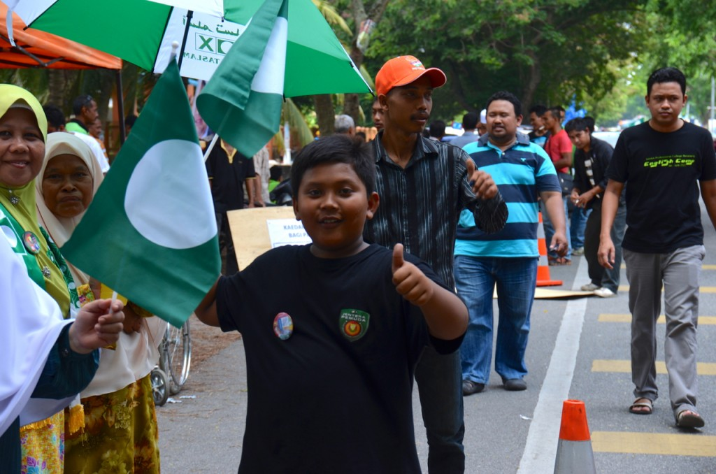 Not this time: supporters of opposition party PAS in Alor Setar on Sunday afternoon (Photo: Simon Roughneen)