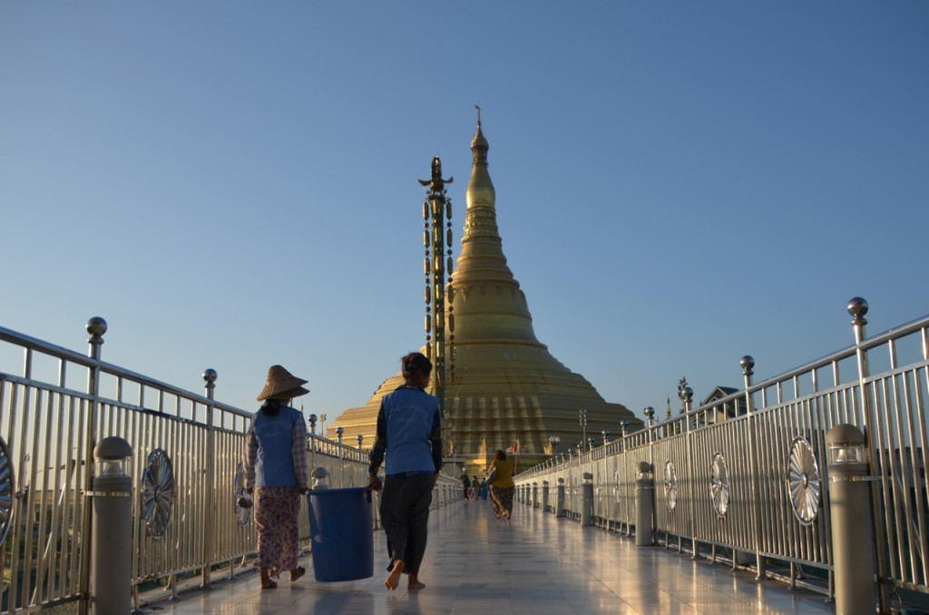 Cleaning staff walk to Naypyidaw's Uppatasanti Pagoda from the shrine's elevator entrance. (Photo: Simon Roughneen / The Irrawaddy)