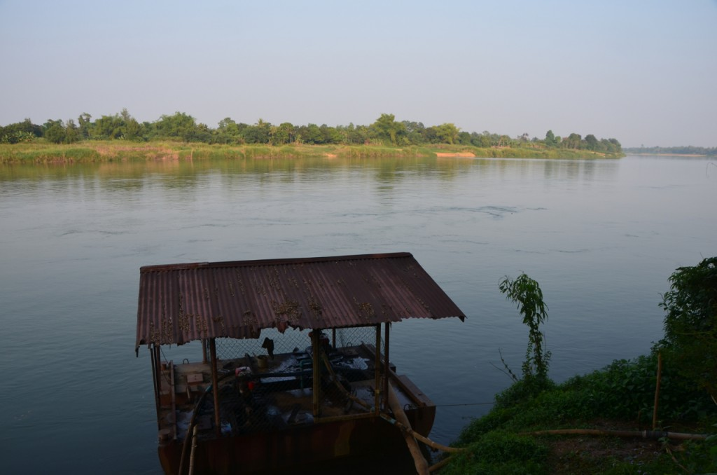 The water pump below on the Mekong river sends water to farms at Boung Phan (Photo: Simon Roughneen)
