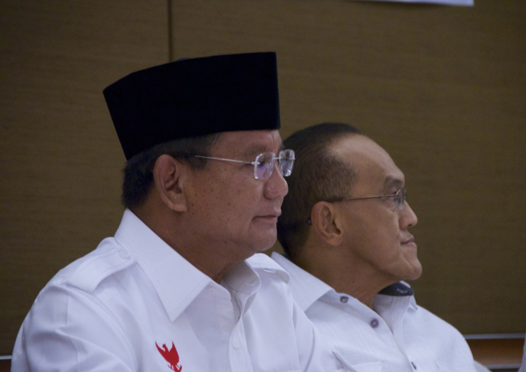 Prabowo Subianto and Aburizal Bakrie, the leader of Golkar, at press conference on Sunday  July 20 (Photo: Simon Roughneen)
