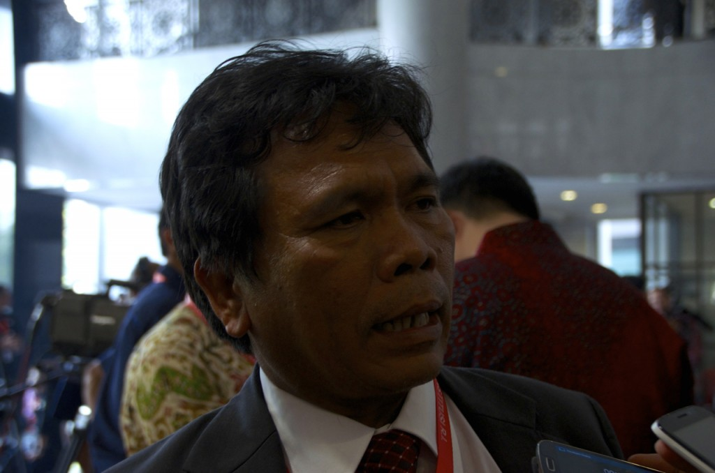 "Commissioner Nelson Simanjuntak – a member of the election supervisory agency known by its Indonesian acronym, BAWASLU – told The Edge Review that ""what was alleged was exaggerated, according to our surveillance."" (Photo:  Simon Roughneen)"