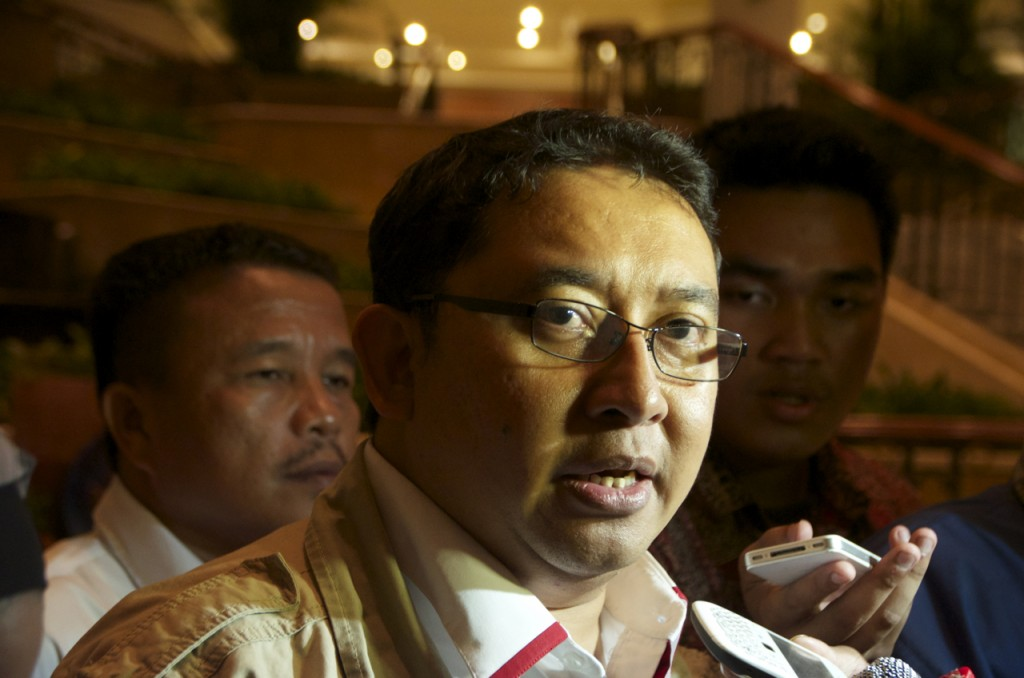 Fadli Zon, a confidante of Prabowo Subianto, speaks to media on August 21 at Jakarta's Grand Hyatt hotel (Photo: Simon Roughneen)